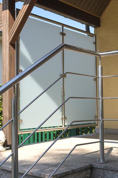 Treppen gel nder den holzspiecht luxemburg - Kunststofffenster glas ausbauen ...